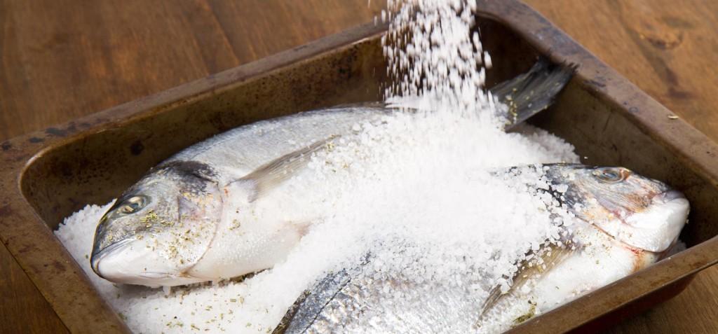 Como temperar peixes inteiros, filés e camarões